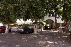 בית אבות נוף חן ברמת גן מכוניות בחניון