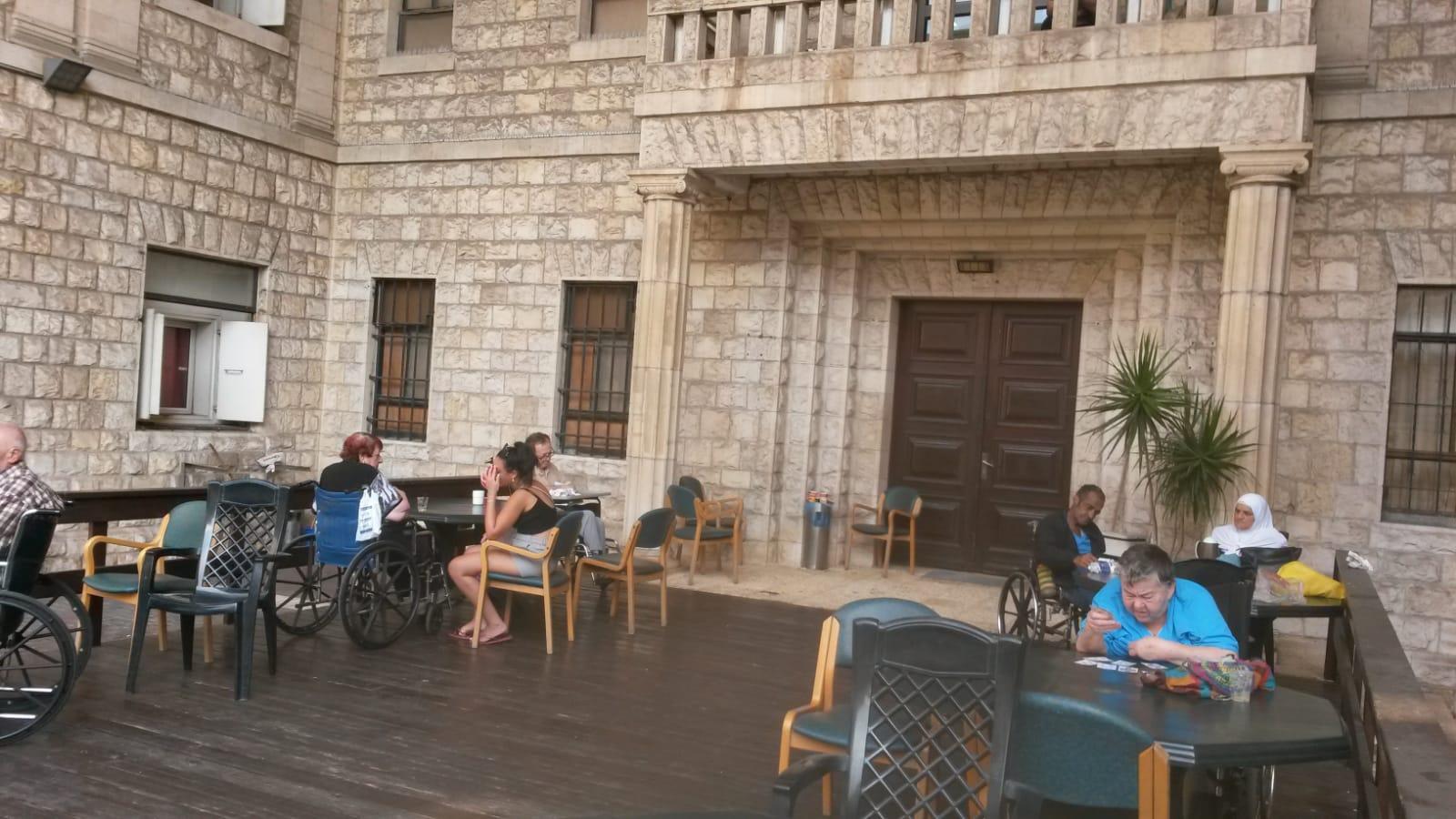 נוף הגפן חיפה תמונה מחיי יום יום